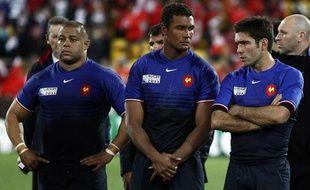 Luc Ducalcon, Thierry Dusautoir et Dimitri Yachvili, le 1er octobre 2011 à Wellington après la défaite de la France face aux Tonga.