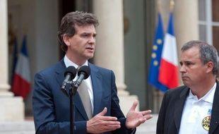 Le ministre du Redressement productif Arnaud Montebourg se rend jeudi à Florange (Moselle) à la demande des salariés de l'aciérie ArcelorMittal inquiets pour l'avenir des deux hauts fourneaux du site dont l'arrêt définitif pourrait être annoncé lundi par la direction.