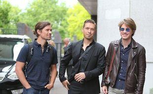 Zac, Isaac et Taylor Hanson dans les rues de Londres