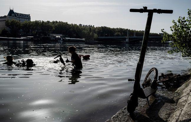 Lyon: Encore une centaine de trottinettes repêchée dans les eaux en quelques heures à Confluence