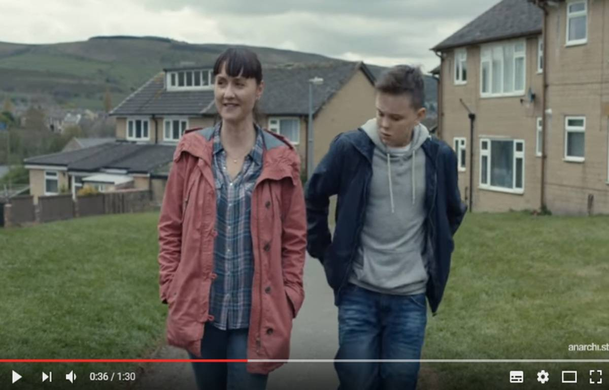 La société McDonald's a dû mettre un terme à une campagne publicitaire au Royaume-Uni mettant en scène un adolescent ayant perdu son père. – Capture d'écran / Youtube