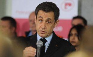 Nicolas Sarkozy, candidat à la présidentielle, à la raffinerie Petroplus à Petit-Couronne (Seine-Maritime), le 24 février 2012.