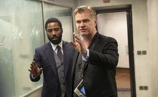 Christopher Nolan dirige John David Washington  sur «Tenet»