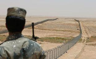 L'Arabie saoudite s'est lancée dans la construction de sa Grande muraille contre l'Irak en 2003.