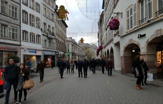 Dans les rues, policiers mais aussi gendarmes et militaires sont présents en nombre.