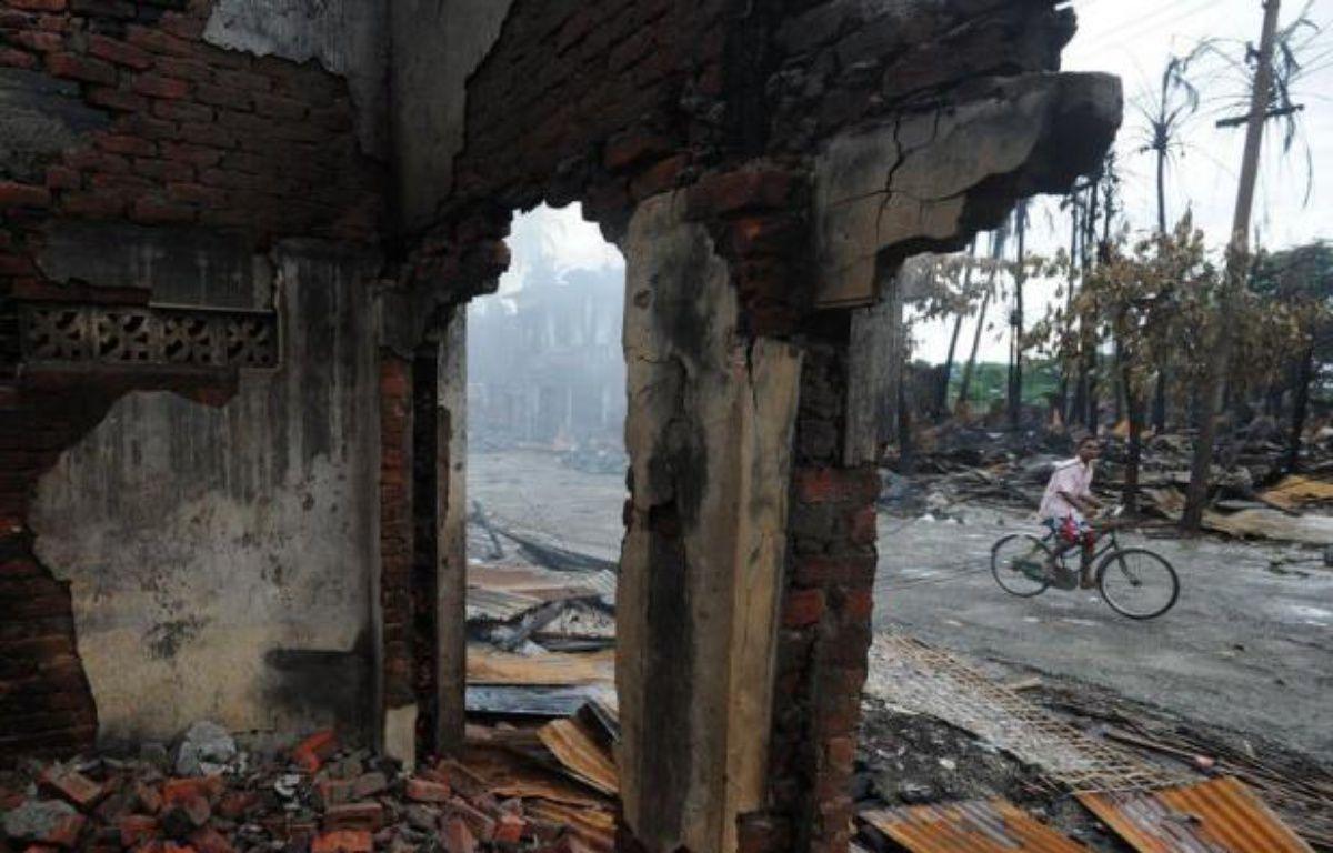 Les violences entre communautés musulmane et bouddhiste dans l'ouest de la Birmanie ont fait au total 50 morts en deux semaines, a annoncé la presse d'Etat samedi, alors que l'attention se tourne désormais vers la détresse des dizaines de milliers de déplacés. –  afp.com