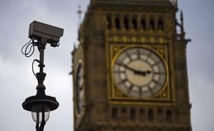 Une caméra de vidéosurveillance, à Londres.