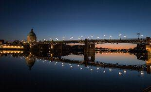 Une vue de Toulouse by night. Illustration.