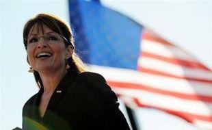 Mardi soir, le site internet Politico a affirmé que le parti républicain avait dépensé la bagatelle de 150.000 dollars (environ 116.000 euros) pour habiller et maquiller Sarah Palin depuis qu'elle a été choisie comme candidate à la vice-présidence.