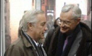 Les deux co-directeurs de campagne de Mme Royal sont François Rebsamen, numéro deux du PS, et Jean-Louis Bianco, ancien ministre et ex-secrétaire général de l'Elysée sous la présidence de François Mitterrand.