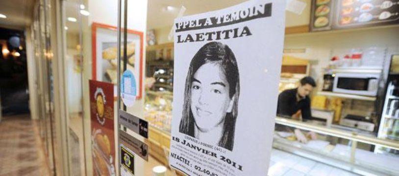 Un appel à témoins concernant la disparition de Laetitia Perrais est affiché le 22 janvier 2011 sur la porte d'une boulangerie de Pornic (Loire-Atlantique).