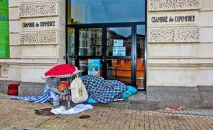 A Paris, près de 500 enfants dorment dans les rues