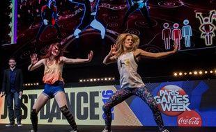 Dina (à droite), double championne de France de «Just Dance»