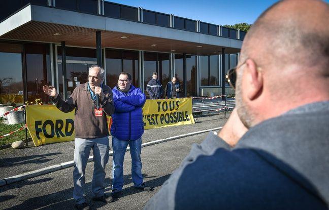 Philippe Poutou, lors d'une grève à l'usine Ford de Blanquefort, près de Bordeaux, le 2 septembre 2016.