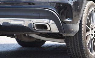 La voiture à moteur thermiqu, plus c'est gros, et plus ça pollue.