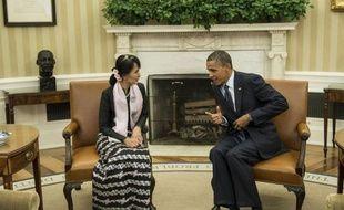 Washington a déroulé mercredi le tapis rouge pour la Birmane Aung San Suu Kyi en lui remettant la prestigieuse médaille d'or du Congrès, avant une rencontre avec le président Barack Obama dont l'administration a levé les sanctions contre le président birman.
