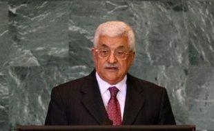 """""""Abbas a demandé que les crimes contre le peuple palestinien cessent le plus vite possible"""" en référence à l'offensive israélienne visant le Hamas à Gaza et qui a fait plus de 360 morts depuis samedi, a précisé le porte-parole palestinien."""