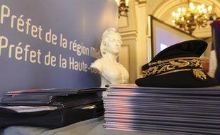 La préfet de la grande région Pascal Mailhos est aussi celui de la Haute-Garonne. Il est donc basé à Toulouse
