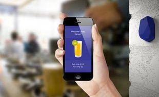 Un «smart beacon» d'Estimote, compatible avec la technologie iBeacon d'Apple.