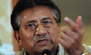 """La justice pakistanaise a ordonné lundi la présence dès mardi de l'ancien président Pervez Musharraf à la Cour suprême dans le cadre d'une audience sur des allégations de """"trahison"""", ont annoncé des magistrats."""