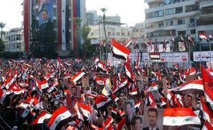 Le régime syrien a libéré samedi plus de 550 personnes arrêtées lors de la répression du mouvement de contestation, un premier signe de mise en application du plan arabe de sortie de crise malgré la poursuite des opérations sécuritaires ayant fait au moins dix morts.
