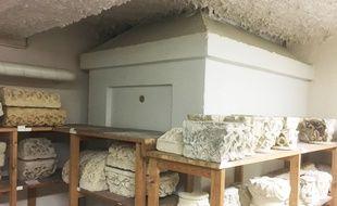 C'est dans ce caveau dans les sous-sols du musée d'Aquitaine, qu'un cercueil avec une plaque portant le nom de Montaigne, a été découvert.
