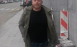 Sven Mary, l'avocat belge du terroriste présumé, Salah Abdeslam, arrive au siège de la police fédérale à Bruxelles, le 19 mars 2016.