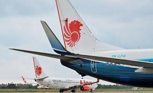 (Illustration)  Cette photo, prise le 3 septembre 2019, montre un avion Lion Air Boeing 737-800 à l'aéroport de Padang, Sumatra Ouest.