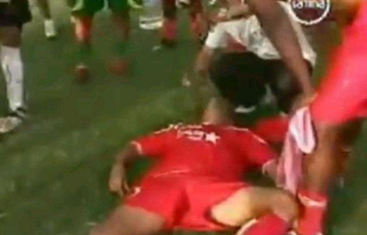 Capture d'écran d'un joueur empoisonné au bidon piégé au Pérou, le 17 octobre 2010 – Capture d'écran 20 minutes
