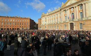 Toulouse, le 11 janvier 2015 - Près de 5.000 personnes se sont rassemblées dimanche après-midi spontanément contre la barbarie et pour la liberté d'expression