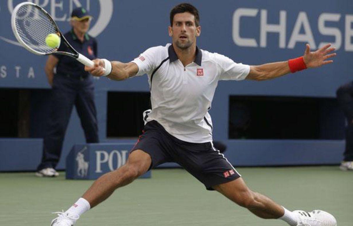 Novak Djokovic sur la défensive en demi-finale de l'US Open, le 8 septembre 2012 à New-York. – D.Cummings/SIPA
