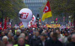 Des milliers de personnes manifestent à Paris dans le cadre d'une mobilisation européenne contre l'austérité le 14 novembre 2012