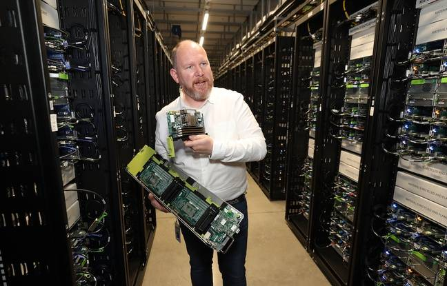 Niall McEntegart, directeur des opérations du data center de Clonee, en Irlande, en septembre 2018.