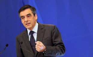"""François Fillon a annoncé mardi aux députés UMP que """"la hausse de l'offre de logements"""" serait inscrite à l'ordre du jour du sommet social de mercredi, selon une source proche du groupe UMP et confirmée dans son entourage."""