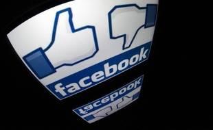 Logo de Facebook photographié sur une tablette, le 4 décembre 2012 à Paris