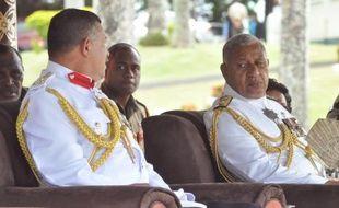 L'homme fort de Fidji Voreqe Bainimarama, abandonne le 5 mars 2014 solennellement l'uniforme militaire pour participer aux élections démocratiques de septembre