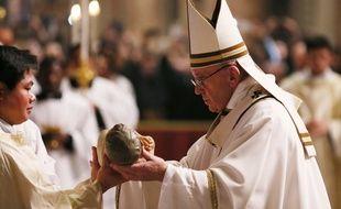 Le pape François le 24 décembre 2016 lors de la messe de Noël au Vatican.