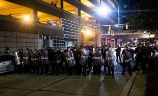 Vendredi, les manifestations avaient gagné de nombreuses villes américaines, de Détroit à Atlanta en passant par New York, Houston et la capitale Washington.
