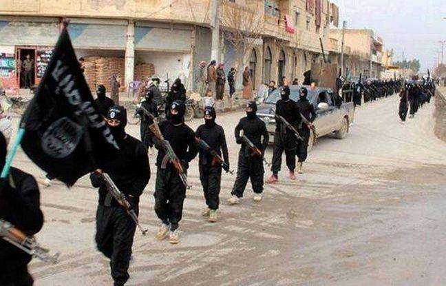Des djihadistes à Raqqa, en Syrie, en janvier 2014.
