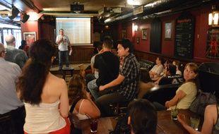 Les fans de Friends réunis pour les 20 ans de la série, samedi 20 septembre 2014 à Paris