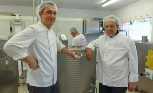 Frédéric (à gauche) et Francis Fenocchio (à droite) élaborent plus de cent parfums de glace.