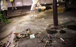 Illustration de seringues des toxicomanes qui jonchent le sol à Paris.