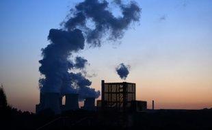 """La centrale à charbon """"Weisweiler"""" le 2 octobre 2015,  située à Weisweiler (ouest de l'Allemagne)"""