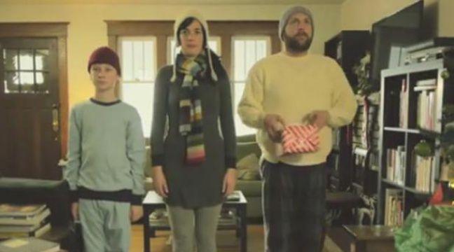 La matin de Noël filmé à la manière de Steven Spielberg, Wes Anderson ou Woody Allen