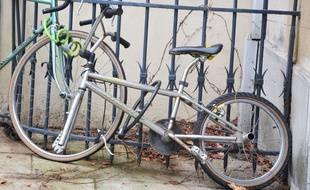Un vélo dont la roue avant a été volée, à Montpellier (illustration)