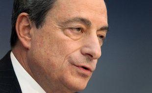 """Le président de la Banque centrale européenne (BCE), Mario Draghi, a jugé jeudi """"prématuré"""" de parler de """"victoire"""" sur la crise économique qui sévit en zone euro depuis plusieurs années."""