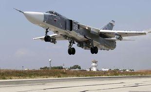 Un avion de chasse russe sur la base aérienne syrienne en octobre 2015.