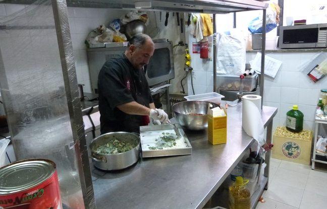 Originaire d'Afghanistan, Shapoor Safari est le chef de Moltivolti et prépare un plat de lasagnes ricotta-épinards.