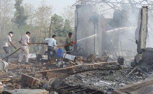 Le bilan de l'explosion dans une usine de pétards dans le centre de l'Inde s'est alourdi à 25 morts, ce jeudi 8 juin 2017.