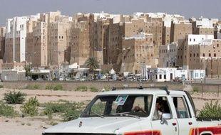Un employé français de Total au Yémen blessé mardi dans une attaque armée ayant fait deux morts selon un nouveau bilan a été évacué vers Sanaa en vue de son rapatriement en France.